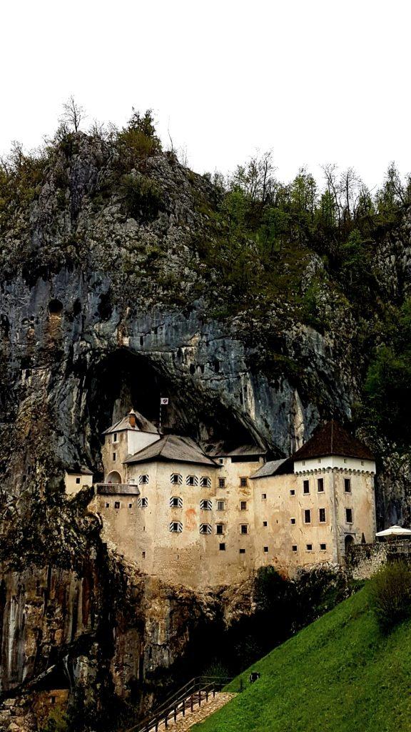 Slovenia con bambini Castello di Predjama