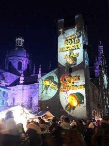 Il magic light festival sul Palazzo Broletto di Como