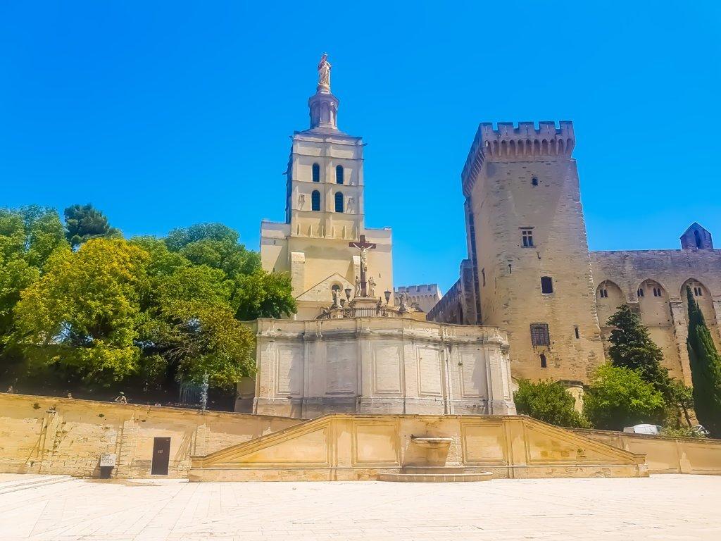Avignone cose da vedere il Palazzo dei Papi