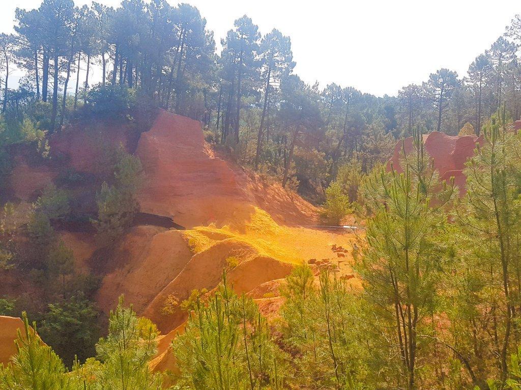 Roussillon e le Sentier des Ocres