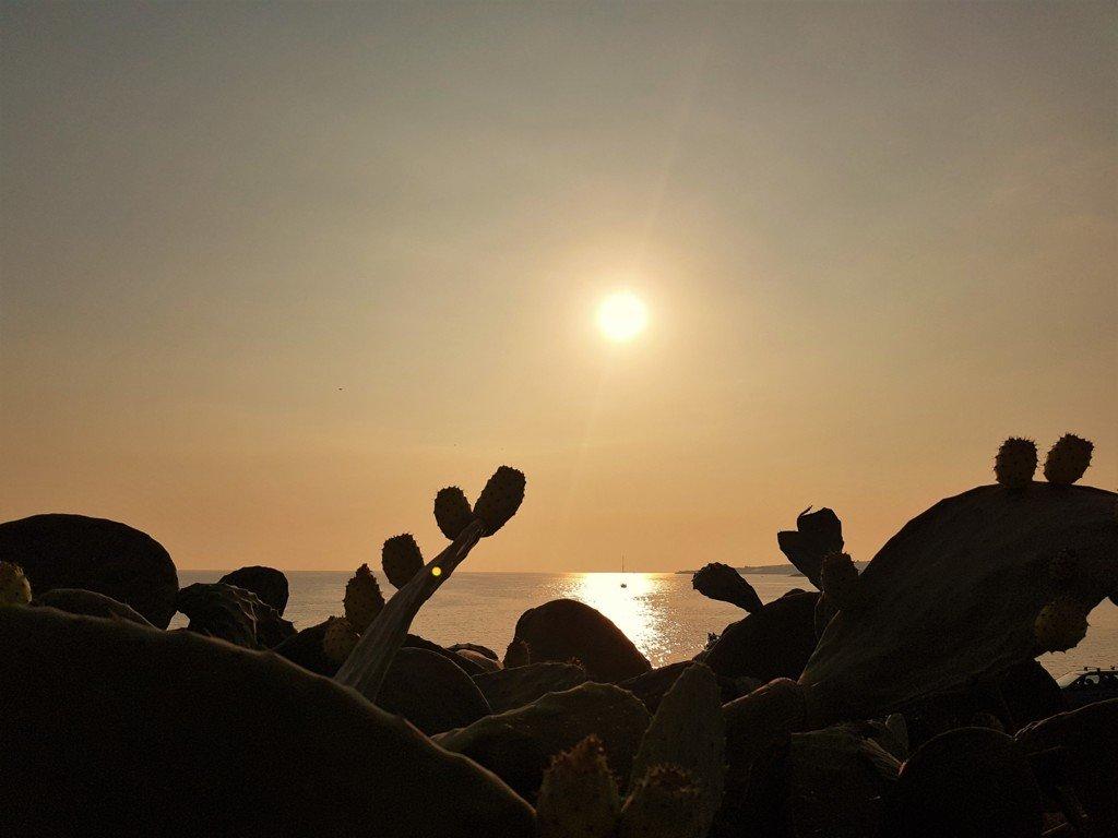 Un tramonto sulla Spiaggia di Sampieri in Sicilia