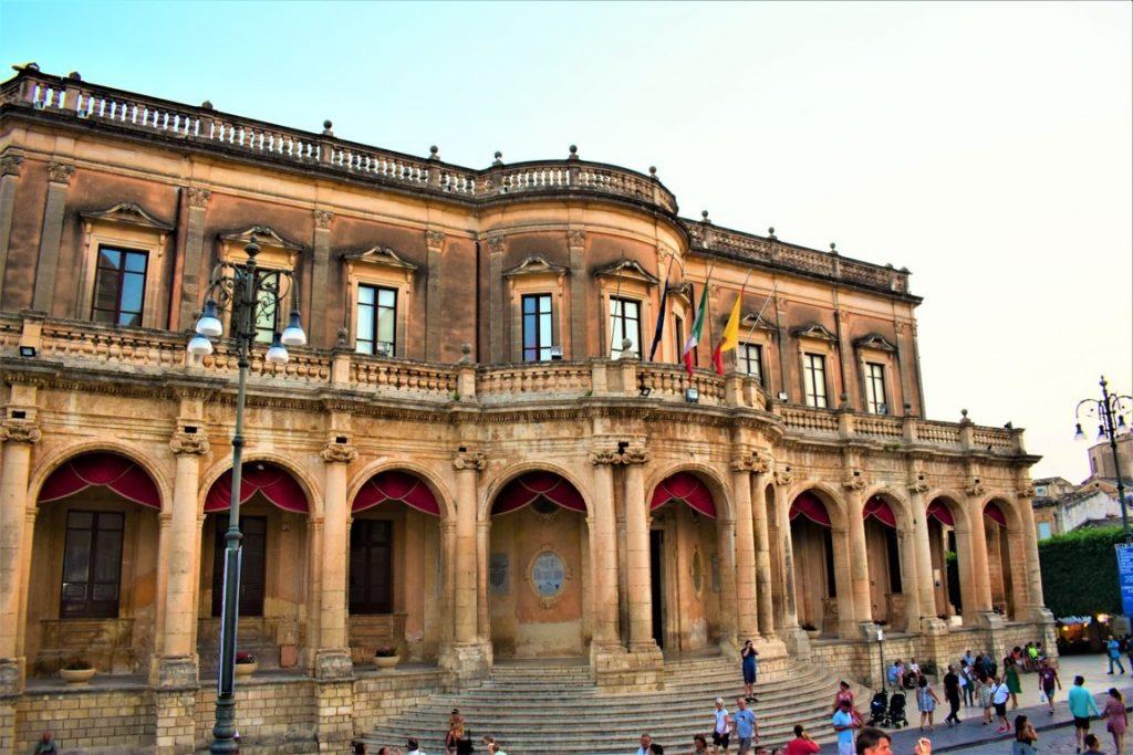 Palazzo Ducrezio, municipio di Noto