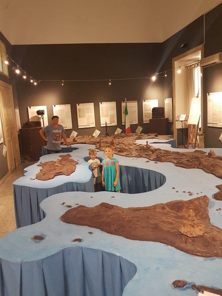 Riproduzione dell'Italia nel Museo del cioccolato di Modica