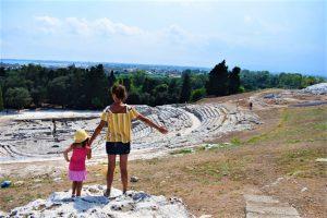 Il panorama dal Teatro Greco del Parco Archeologico della Neapolis