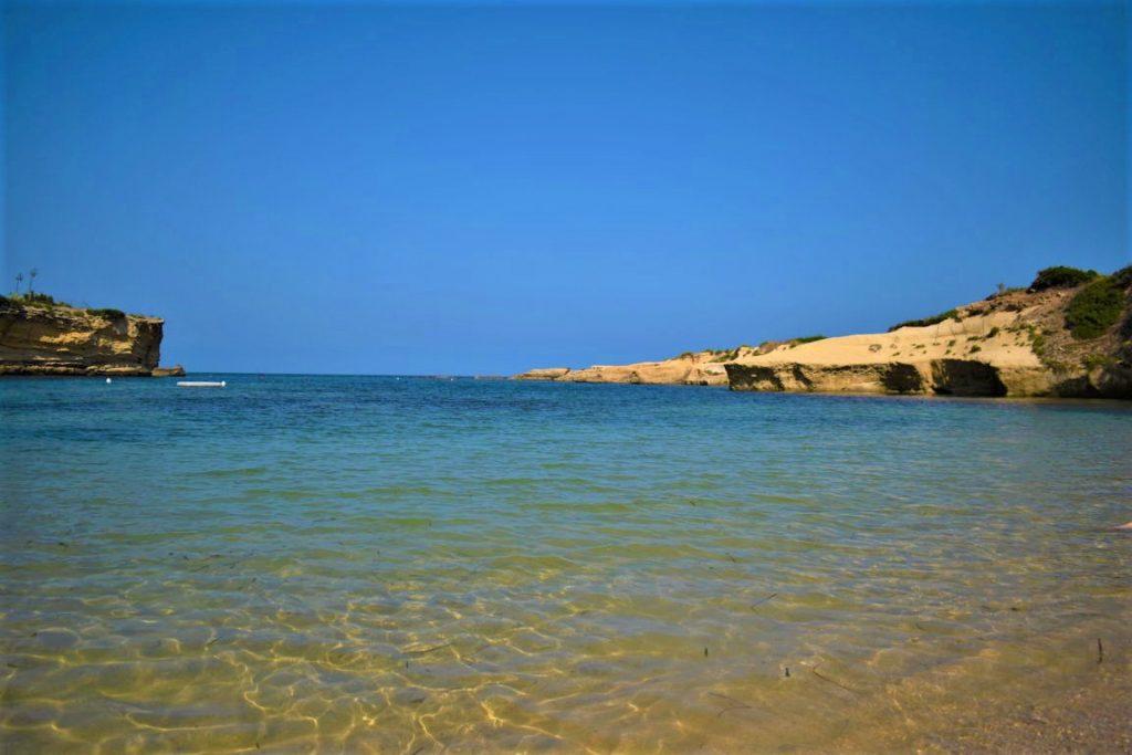 La spiaggia Minareto di Punta Castelluccio nella Penisola della Maddalena