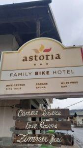 L'insegna dell'Hotel Astoria di Livigno