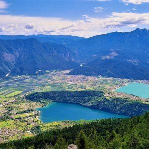 Il panorama dal Forte Busa Granda sui laghi di Levico e Caldonazzo