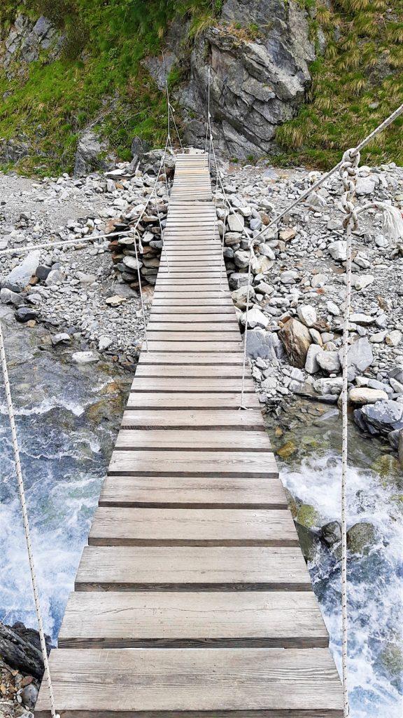 il ponte tibetano sul fiume di Livigno