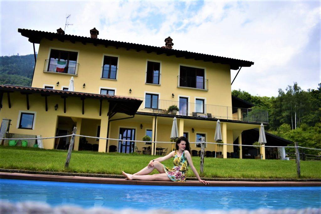 Relax in piscina dell'Agriturismo Cascina il Faggio
