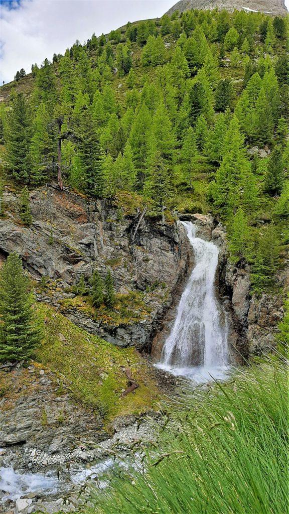 vista della cascata di Livigno dall'alto