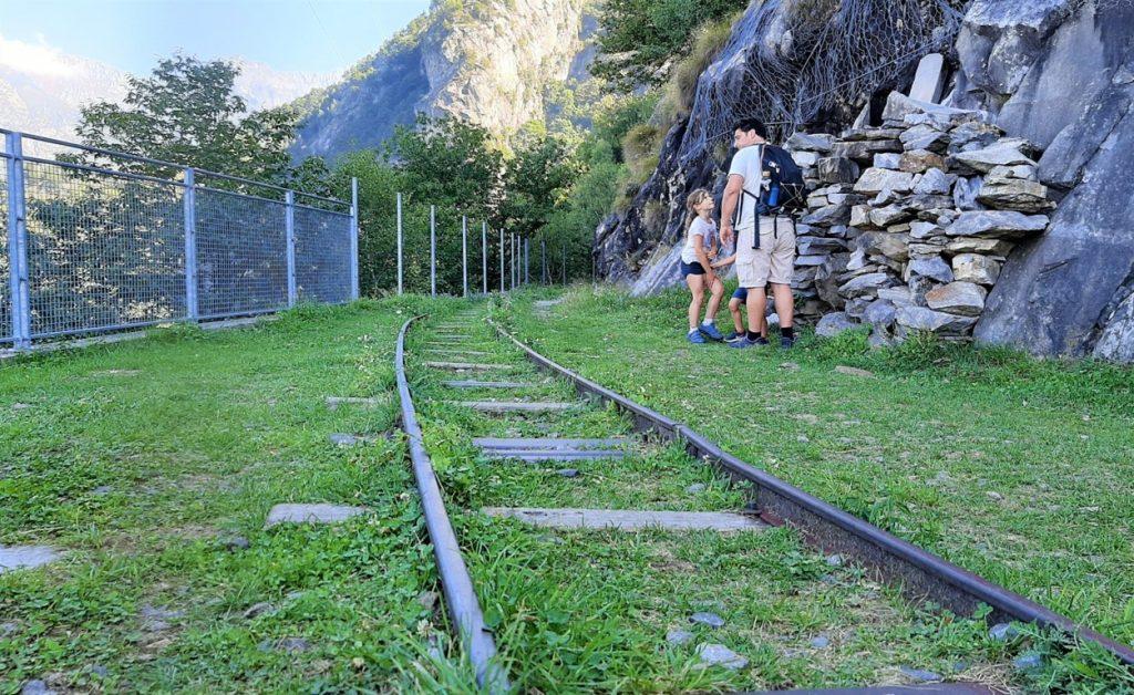 passeggiata con bambini in Lombardia sul Sentiero del Tracciolino