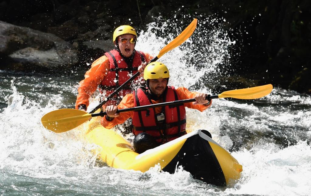Rafting sul fiume in provincia di Cuneo