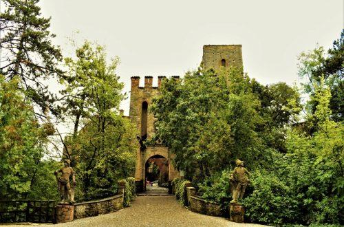 L'ingresso al Castello di Gropparello in provincia di Piacenza
