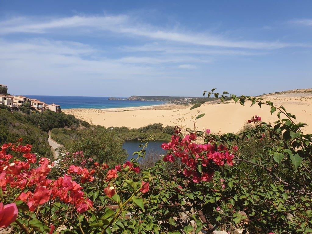 Il panorama delle dune di Torre dei Corsari nella Costa Verde