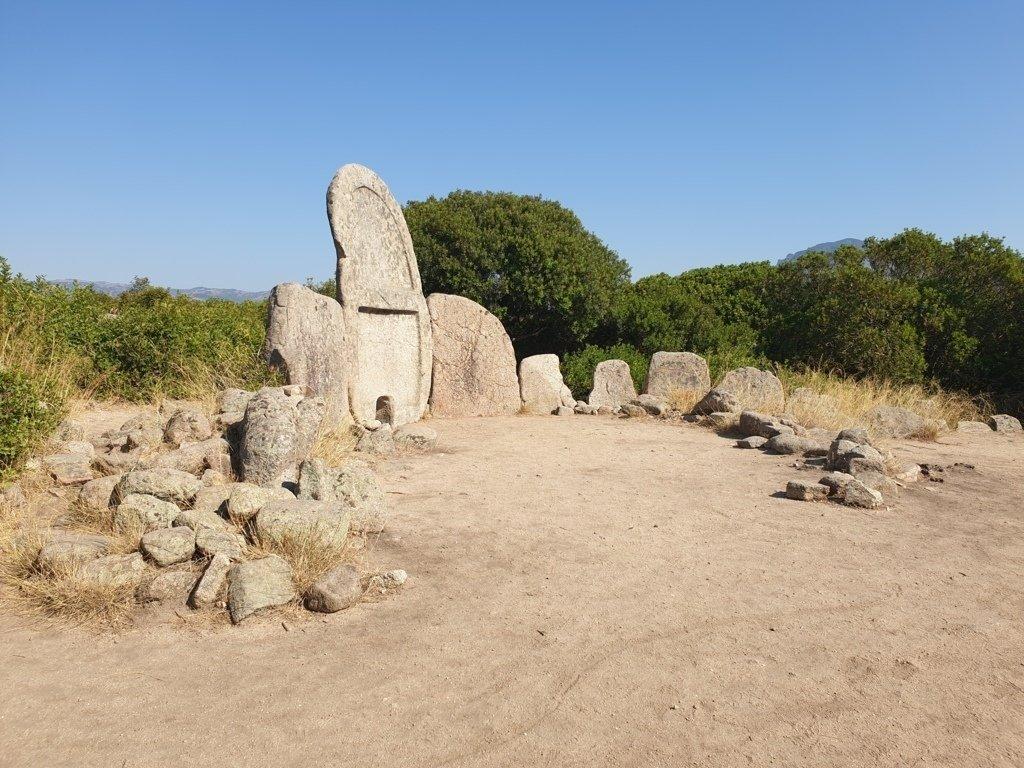 La Tomba di S'Ena e Thomes in Sardegna