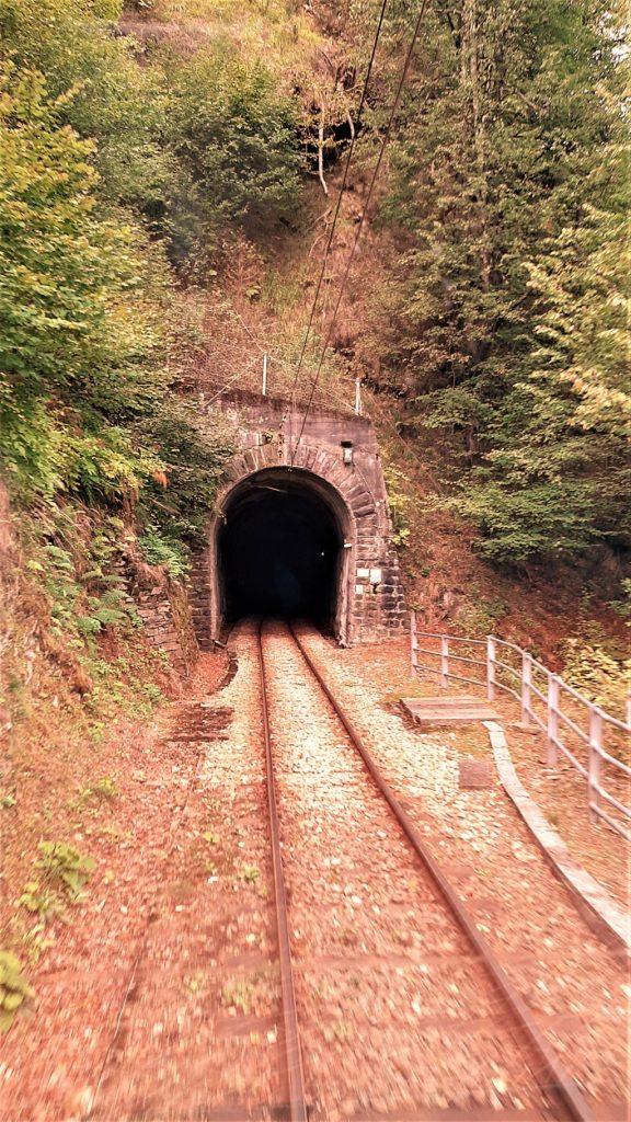 una galleria lungo la ferrovia panoramica Vigezzina Centovalli