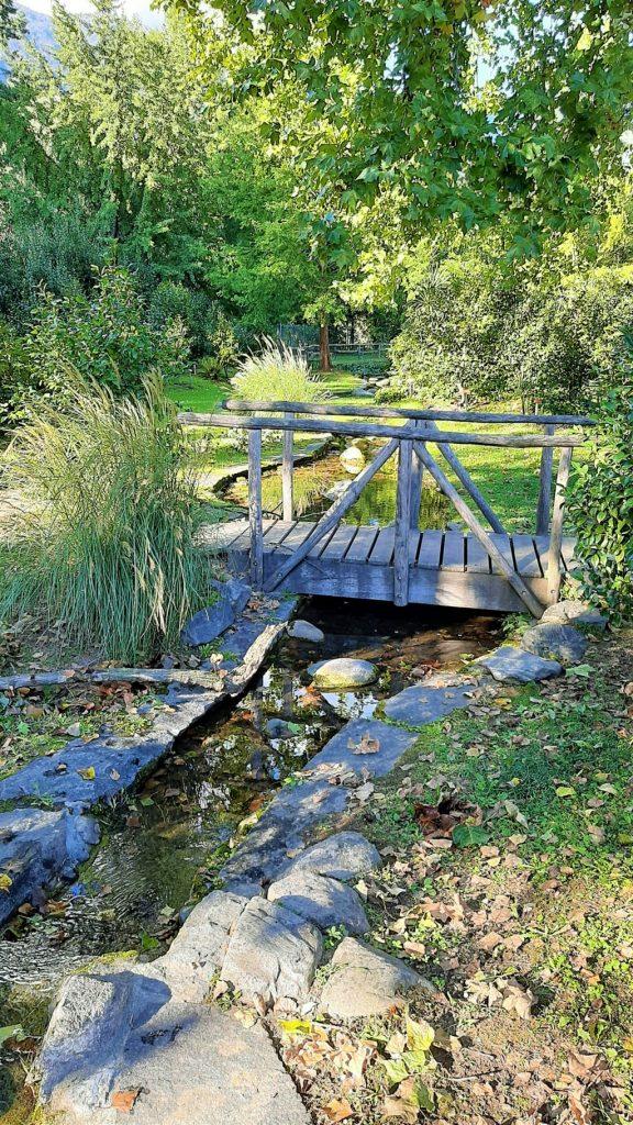 un ruscello del Parco delle Camelie a Locarno