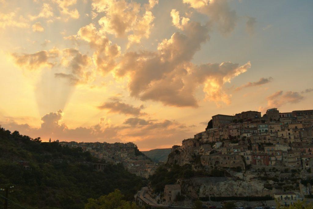 Panoramica su Ragusa al tramonto