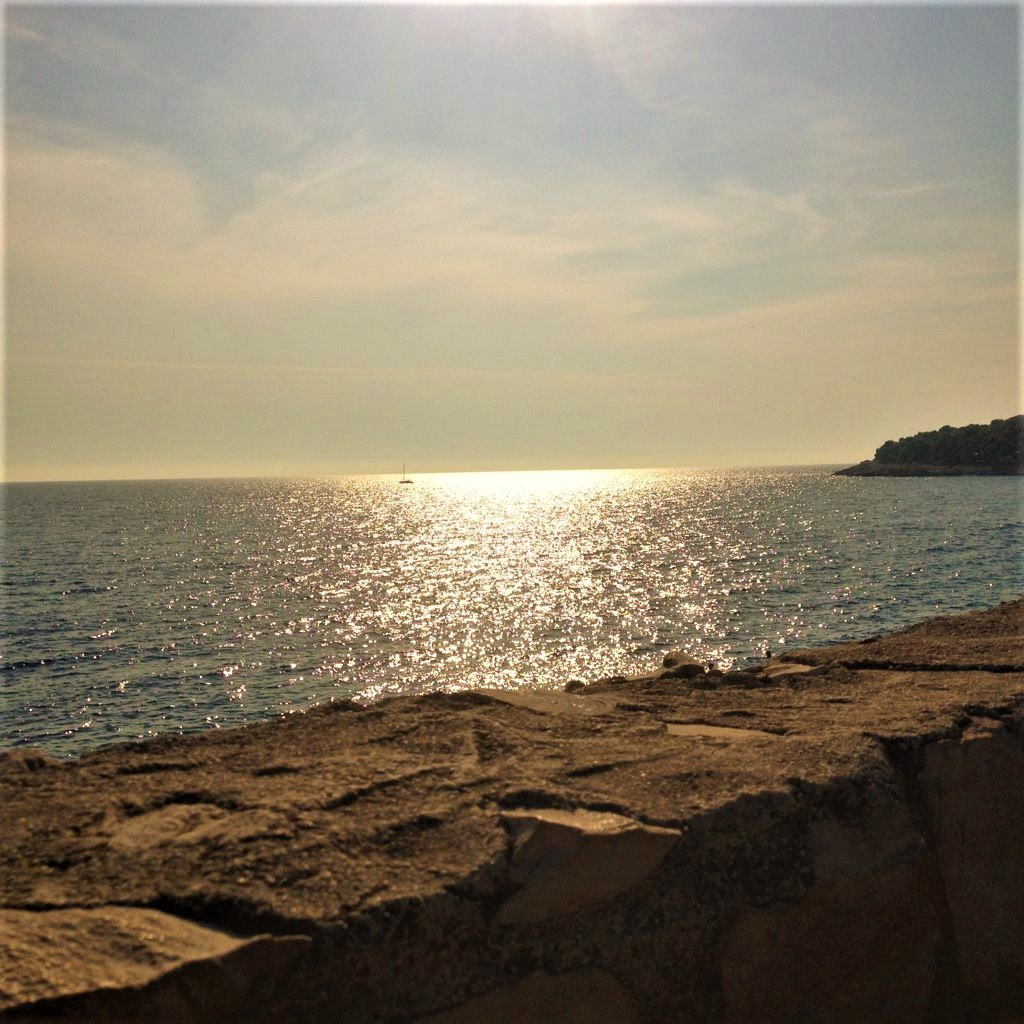 Il tramonto dal Lungomare di Pola Croazia