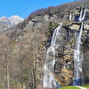 Visita alle cascate dell'Acquafraggia con bambini