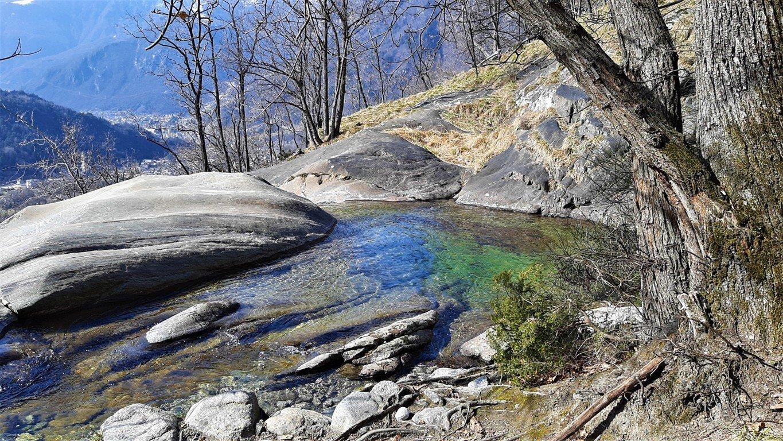 le piscine naturali delle cascate dell'Acquafraggia