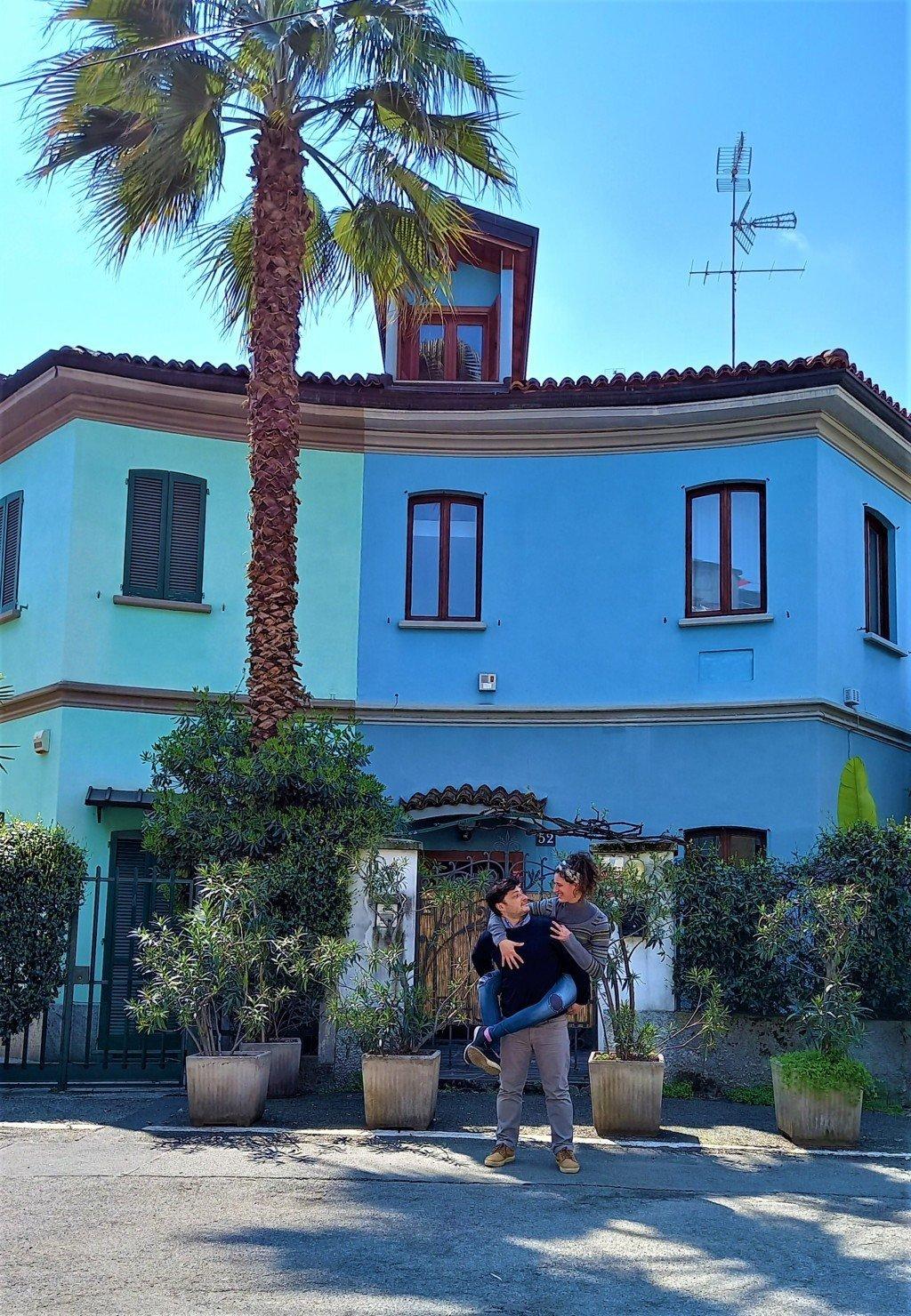 Le case colorate di Milano in via Lincoln