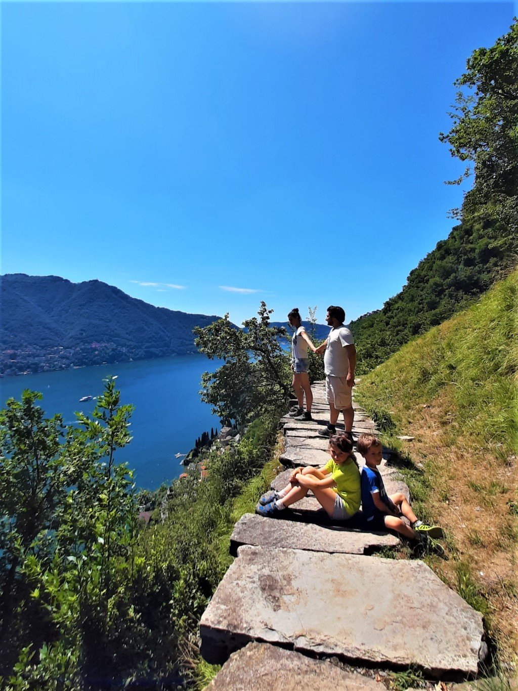 Trekking per famiglie sul Lago di Como